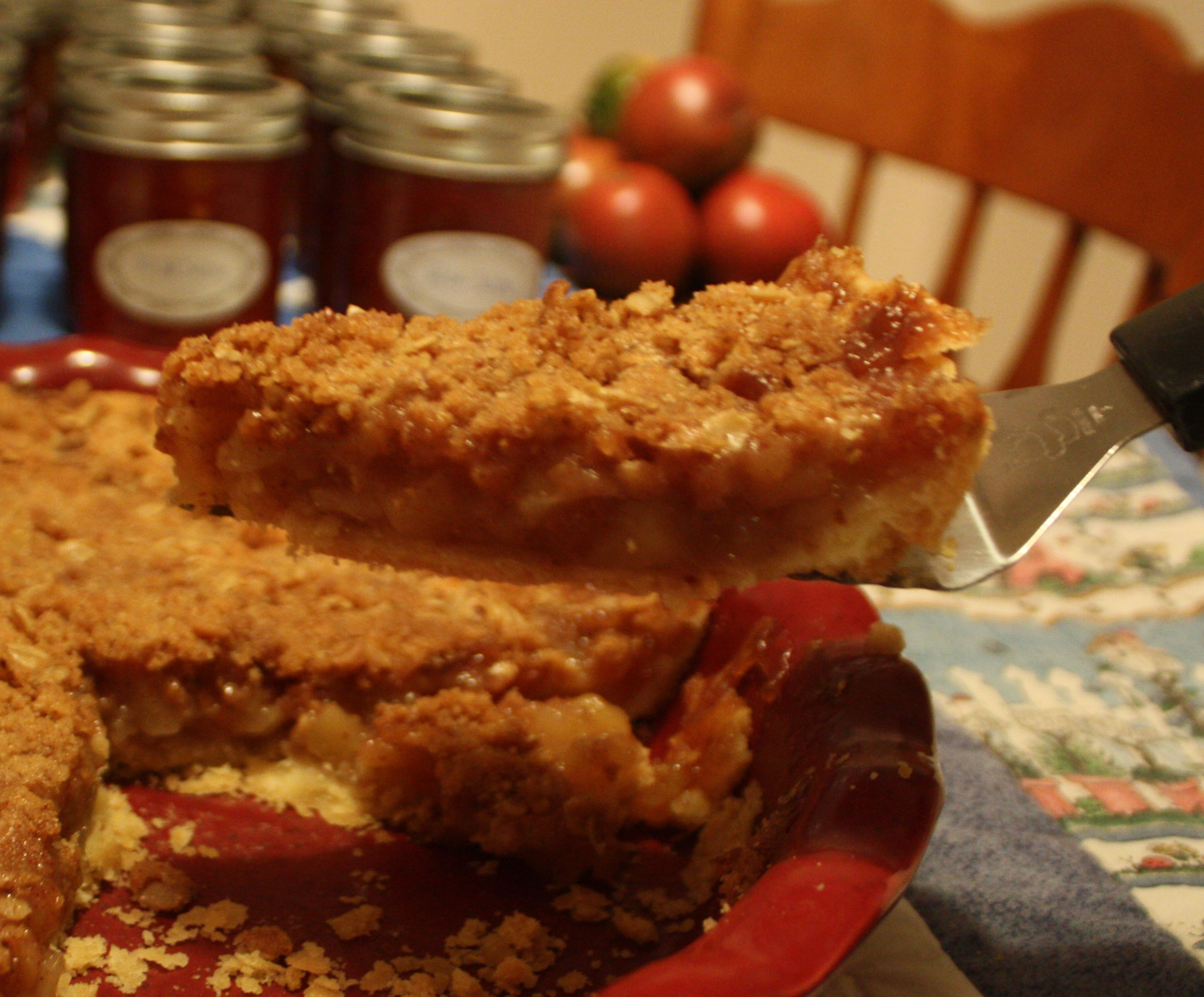 Old Fashioned Crumb Topped Apple Pie b