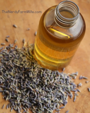 lavender buds and sunflower oil