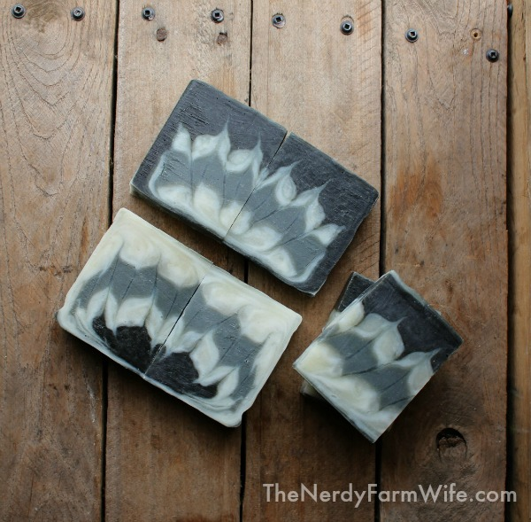 Activated charcoal colors this all-natural palm-free soap recipe made using the circling Taiwan swirl method.