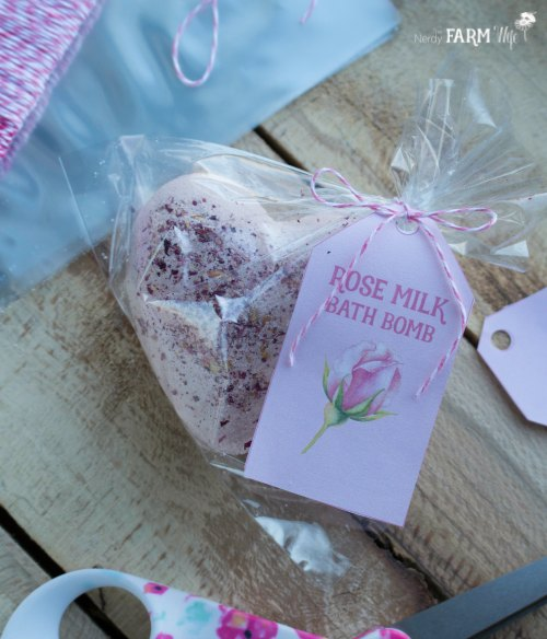Packaging Rose Milk Bath Bombs