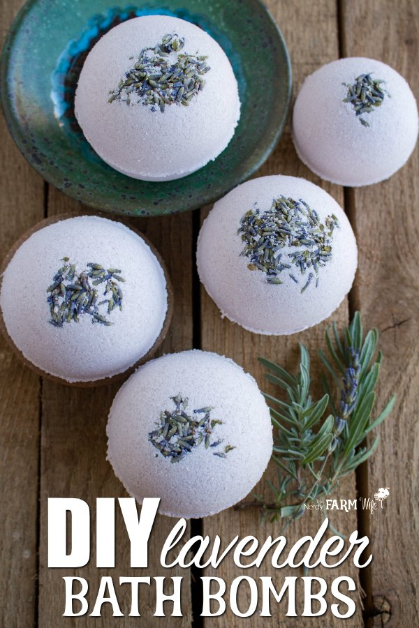 DIY Natural Lavender Bath Bombs made with all natural ingredients