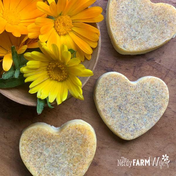heart shaped calendula bath melts