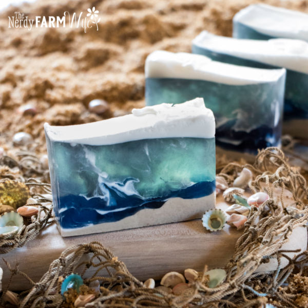 melt and pour ocean soap using natural colorants and ingredients